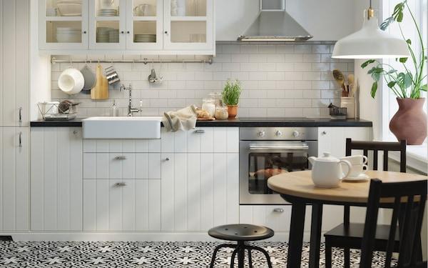 Интерьер с кухней 1