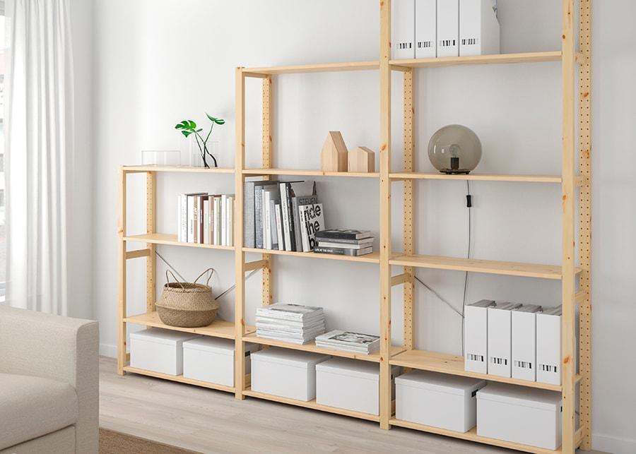 IVAR bokhylla i olika sektioner
