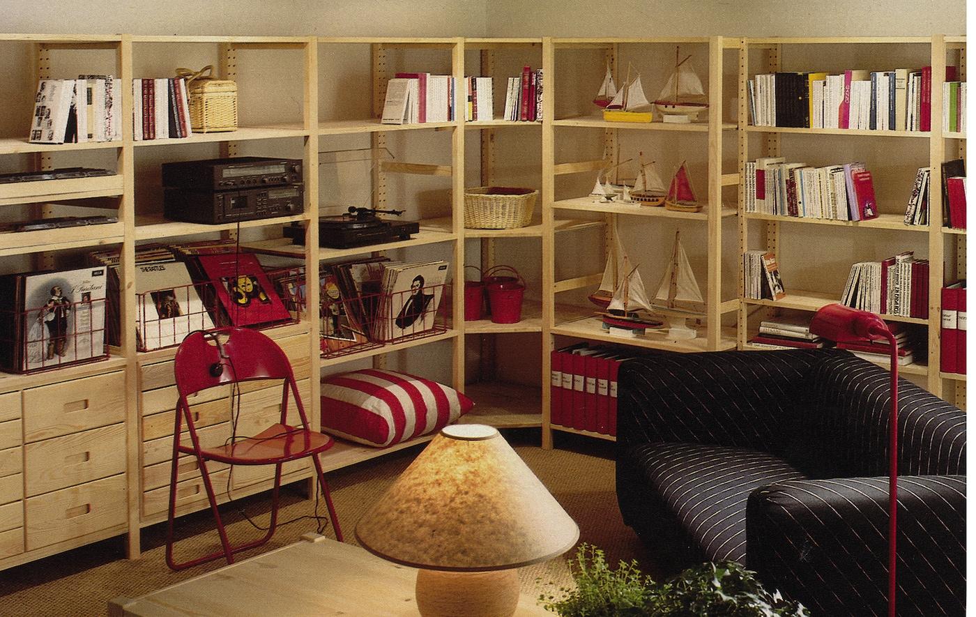 Dark and cosy dorm room ideas IKEA