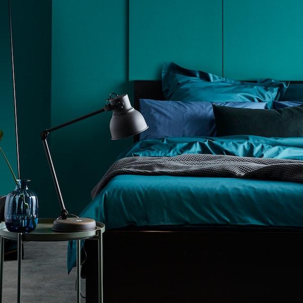 Jak si v ložnici pohrát s barvami.