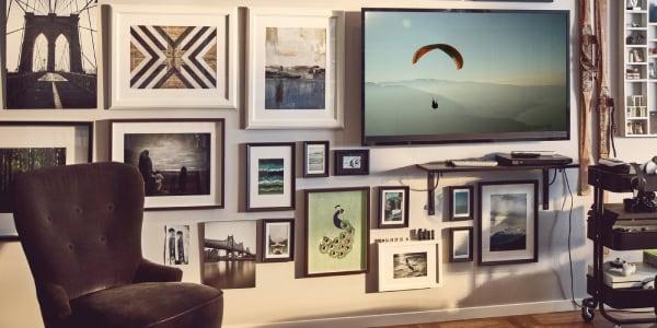 Jak wieszać zdjęcia i obrazy na ścianie?