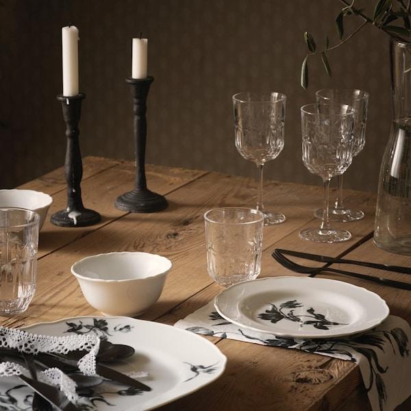 Jakie kolory wybrać do ozdobienia stołu?