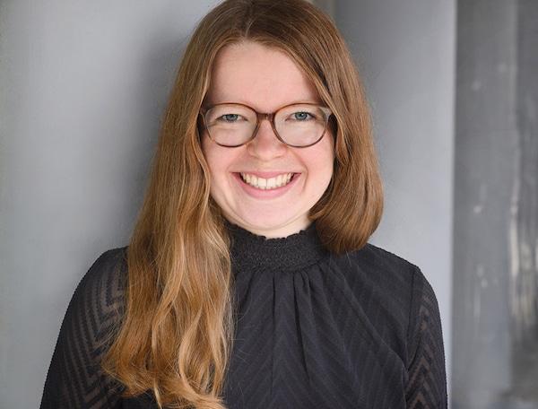 Judith Alpmann arbeitet bei IKEA in der internen Kommunikation und versucht die Mitarbeitenden bestmöglich zu informieren und kommunikativ einzubinden.
