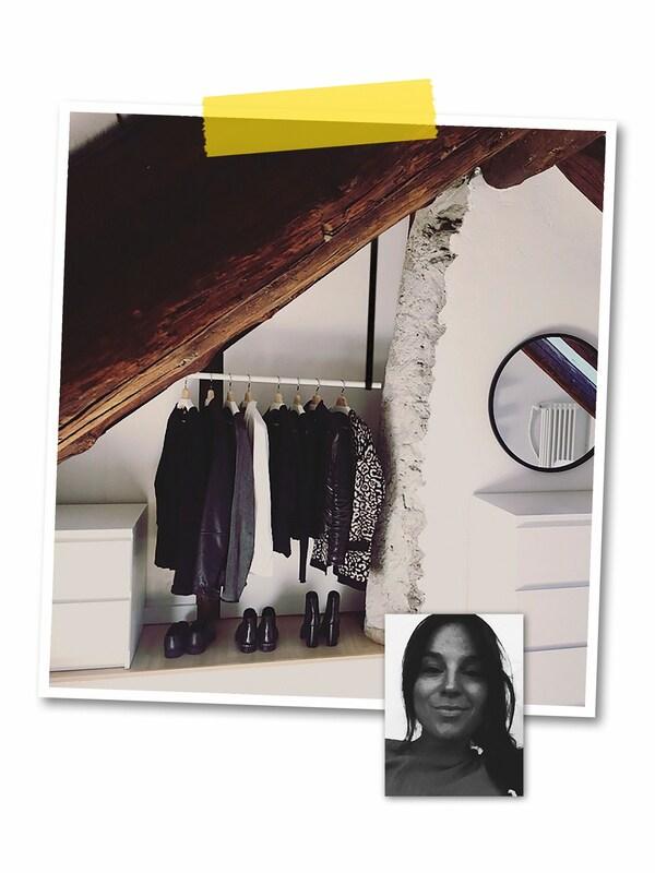 Kahden kuvan kollaasi: Isossa kuvassa vinoon kattoon on ripustettu nauhoilla HUGAD-verhotanko, jossa roikkuu vaatteita Pikkukuvassa mustavalkoinen kasvokuva IKEA-työntekijästä.