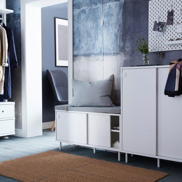 Как организовать стильную прихожую для всей семьи.