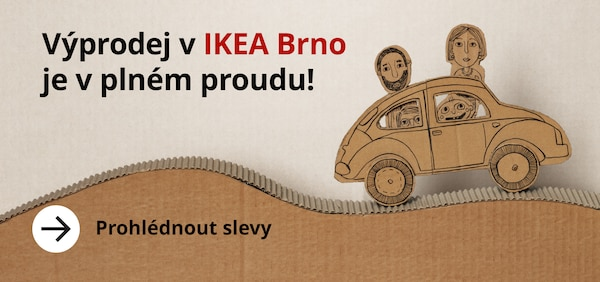Kartonová rodinka jede na Výprodej do IKEA Brno.