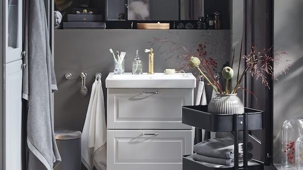 Kaunis ja tunnelmallinen GODMORGON-kylpyhuone