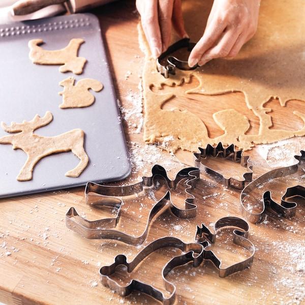 Keksebacken im Advent und an Weihnachten mit Elch Keksausstechern