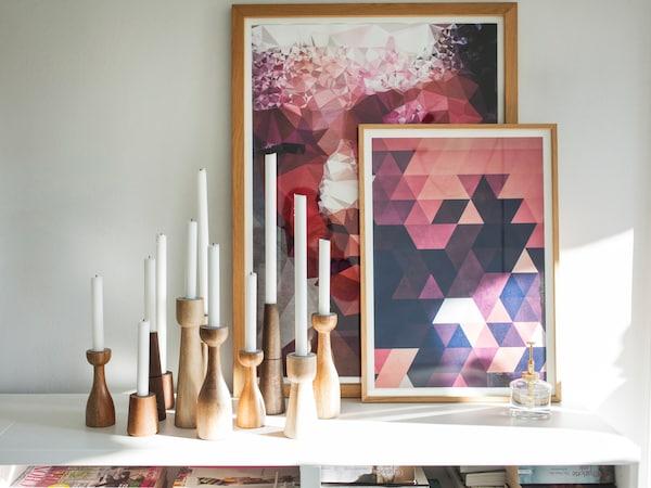 Kerzen spenden natürliches Licht und sorgen für eine gemütliche Stimmung
