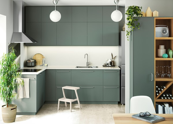 Kitchen fronts in BODARP green