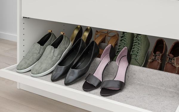 komplement uittrekbare plank met schoeneninzet lichtgrijs