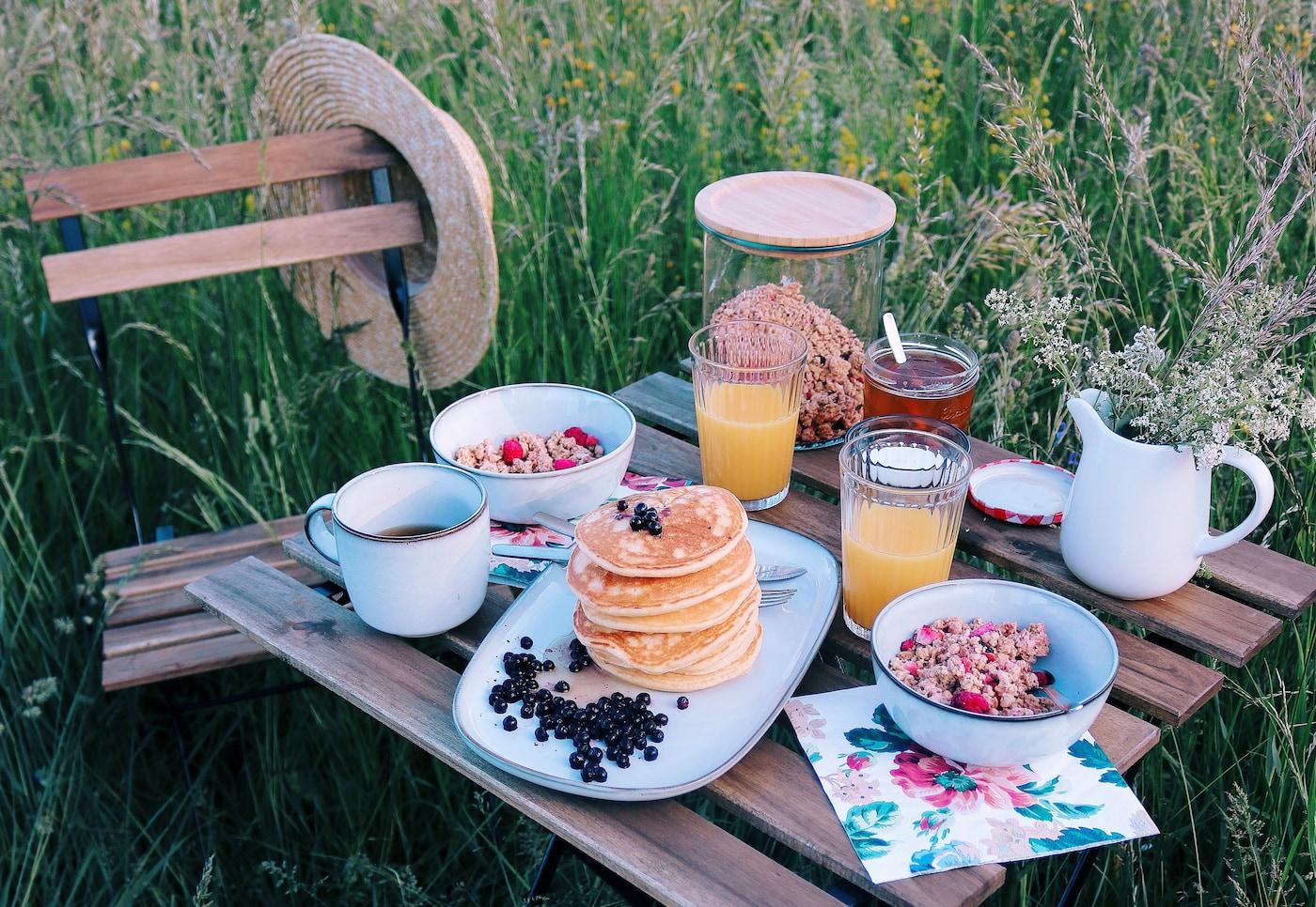 Kreiere dein perfektes Sommer- Frühstück in der Natur