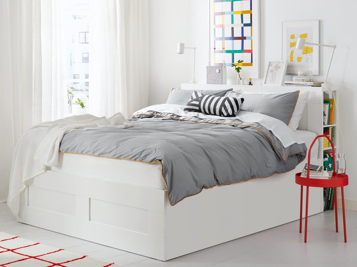 Кровать БРИМНЭС с изголовьем и с местом для хранения под основанием