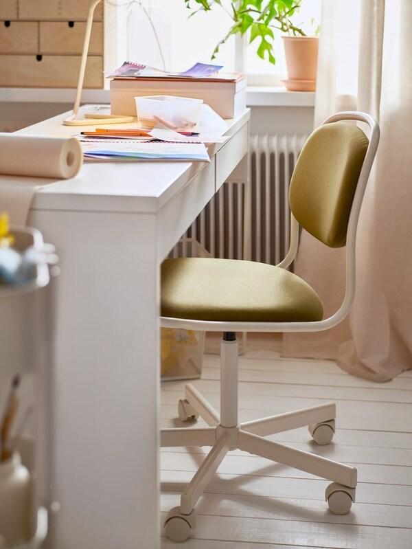 Krzesło do biurek dla dzieci