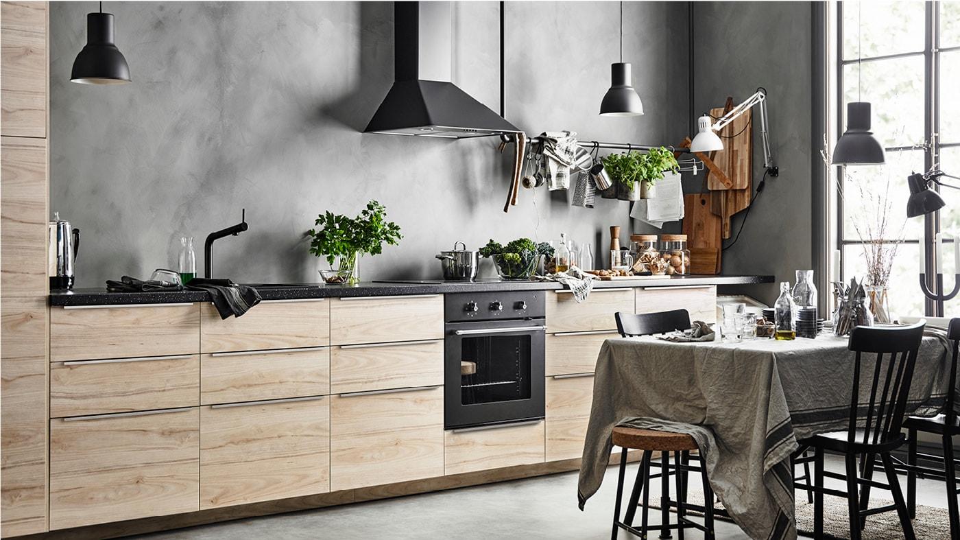 Кухня под светлый ясень АСКЕРСУНД ИКЕА фото в интерьере