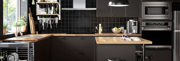 KUNGSBACKA anthracite kitchen image linking to A kitchen with smart storage solutions page