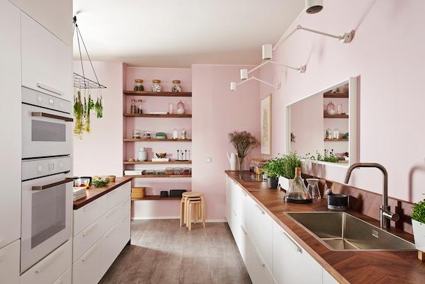 KUNGSBACKA-keittiöovia saa nyt myös valkoisena