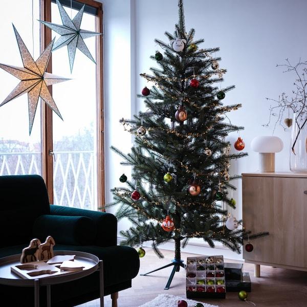 クリスマスを彩る冬のインテリア特集2021