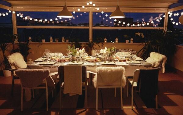 Kuscheliges Eckchen für eine Dinnerparty.
