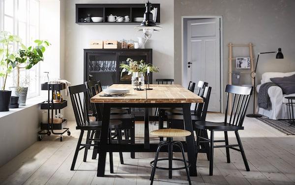 Une table qui r unit et pour longtemps ikea - Ikea table salle a manger avec rallonge ...
