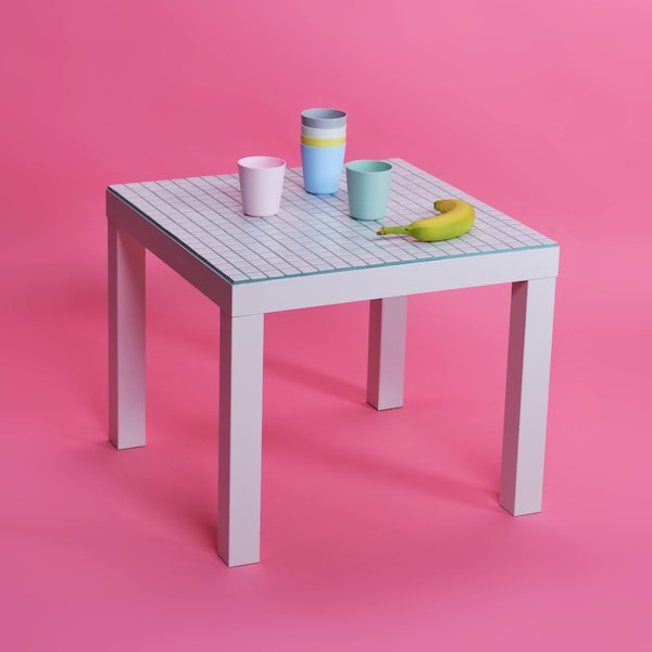 LACK odkládací stolek.