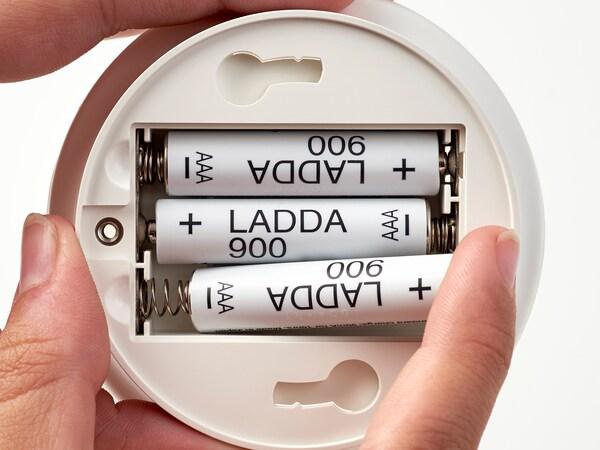 LADDA dobíjecí baterie.