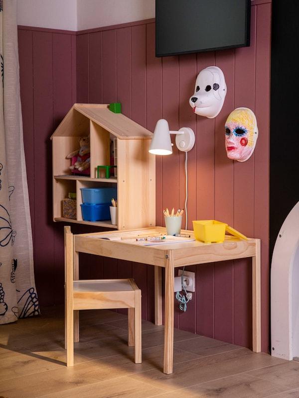 LÄTT Gyerekasztal+2 szék.
