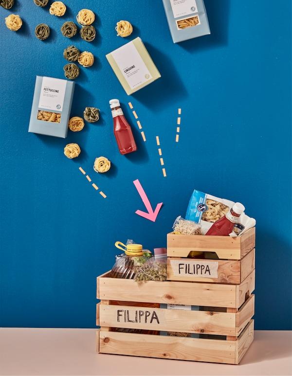 Lebensmittel für die Uni, verpackt in KNAGGLIG Kästen aus Kiefer