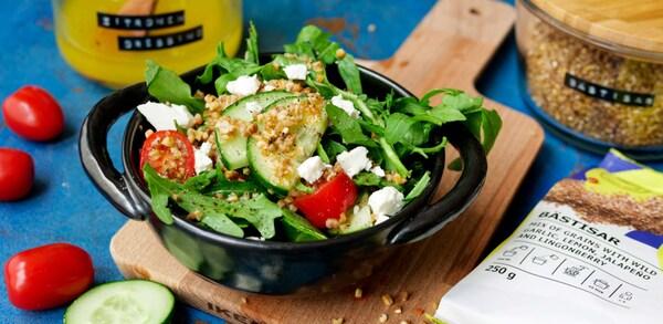 Leckerer Salat mit BÄSTISAR Getreidemischung.