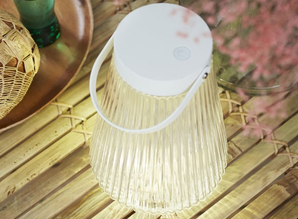 """LED light, outdoor, battery operated clear glass, 9 """" (24 cm)"""