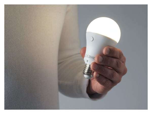 LED žárovka TOSTHULT.