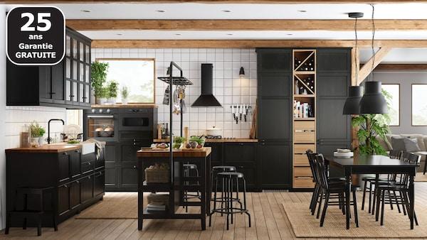 page finition cuisine lerhyttan noir ikea. Black Bedroom Furniture Sets. Home Design Ideas