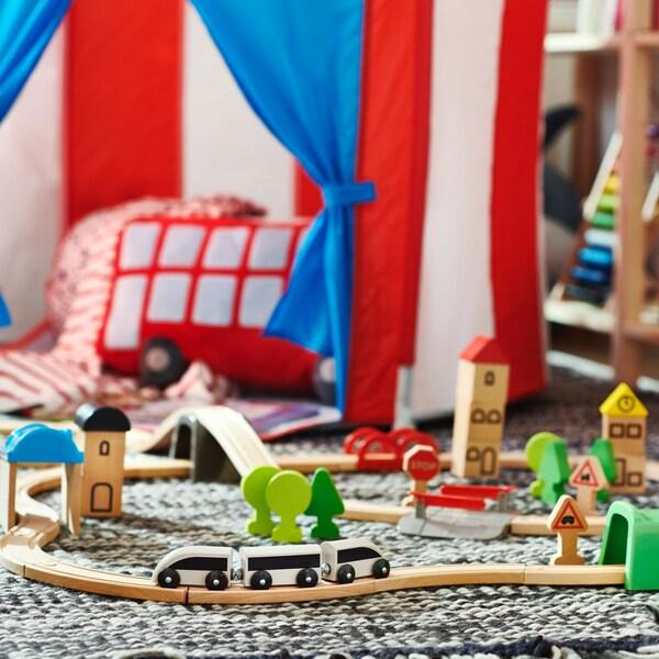 lillabo houten spoor met treintjes