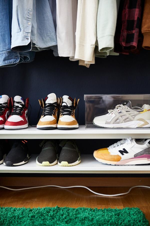 Limitierte IKEA Kollektion dient als Schuhregal.