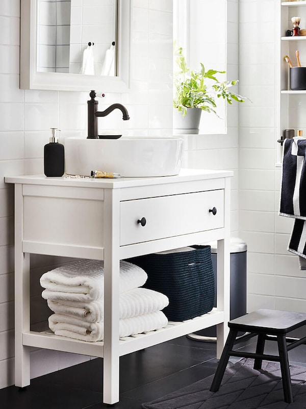 Link to the bathroom storage category page