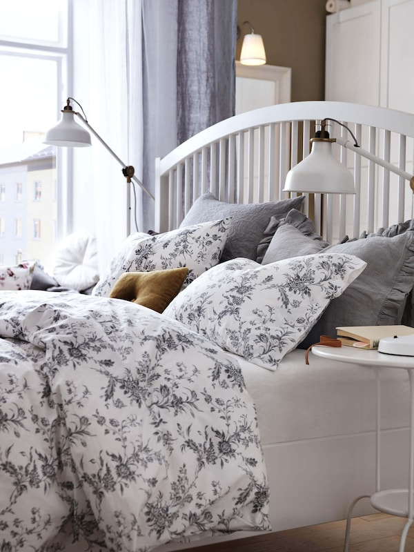 Link to the bedding category page