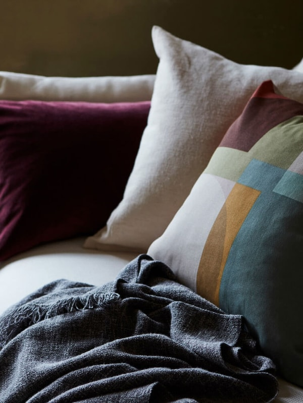 Link to the cushions category page