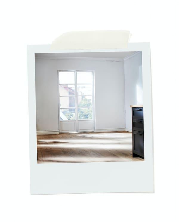 Living room before renovation