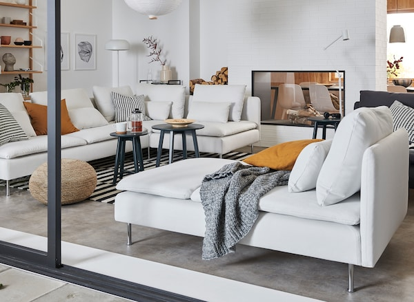 Living room image with a SODERHAMN couch that links to SODERHAMN series page