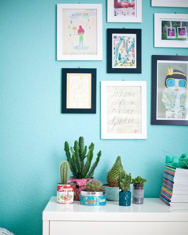 Los cuadros para dormitorios juveniles son ideales para evitar los temidos posters
