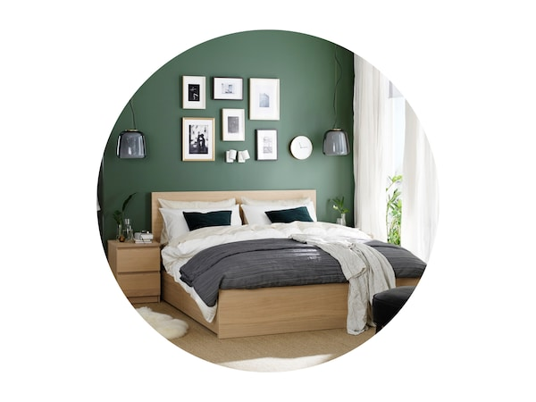 MALM dvojlôžková posteľ.