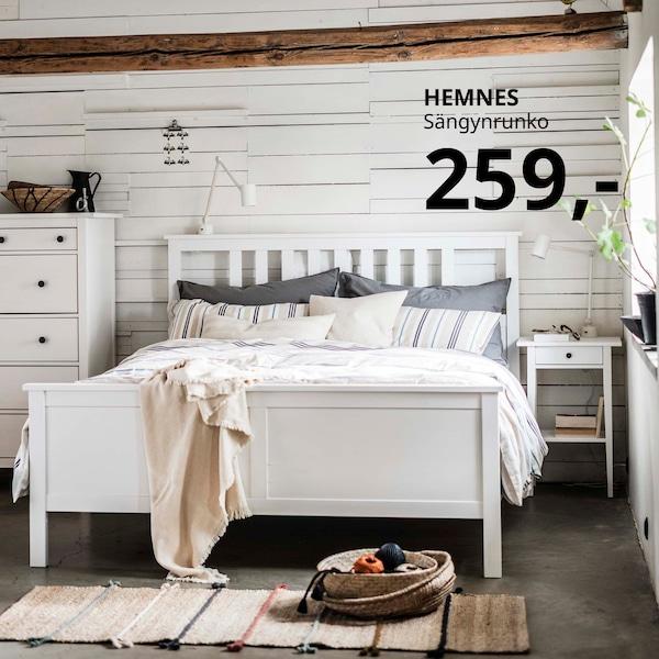 Massiivipuinen HEMNES-sängynrunko