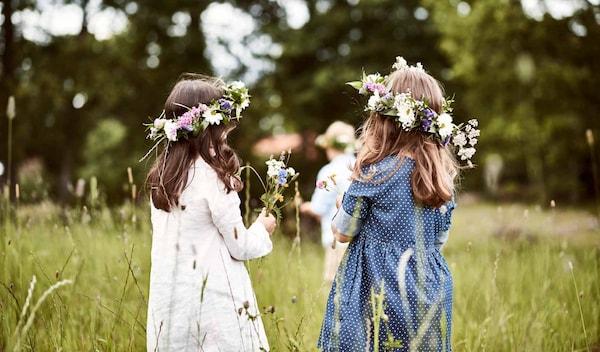 Midsommar Fest Header Mädchen mit Blumengränzen