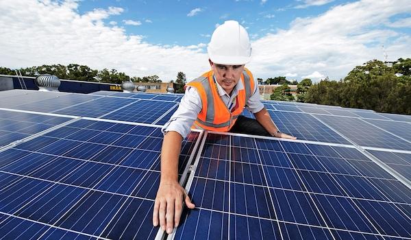Mit Solarenergie in eine saubere Zukunft