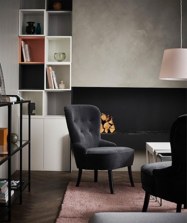 Mobili al centro della stanza, pareti sgombre e uno schema di colori armonioso ricreano lo stile di una lounge d'albergo - IKEA