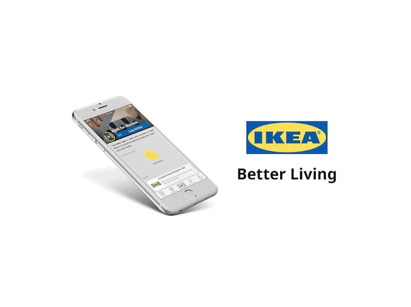 Mobilný telefón s aplikáciou IKEA Better Living vedľa loga a sloganu IKEA.