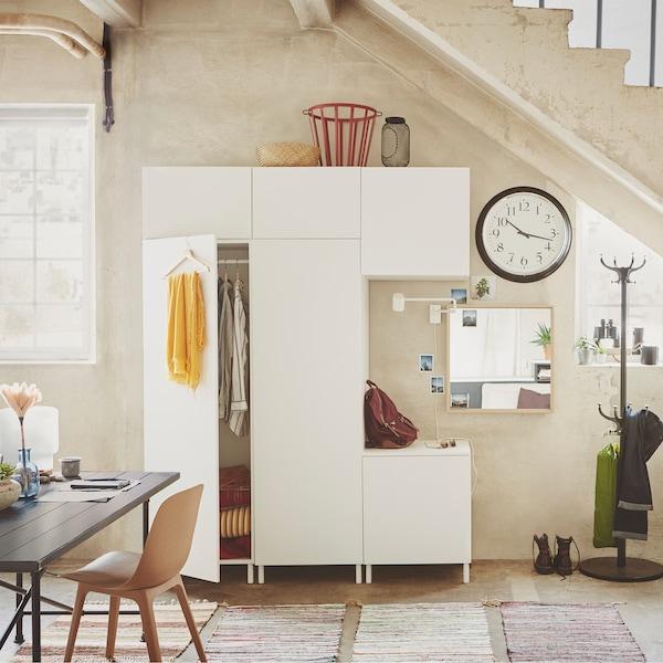 Moduuleista koostuva IKEA-säilytysjärjestelmä on joustava ja sopii tilaan kuin tilaan.