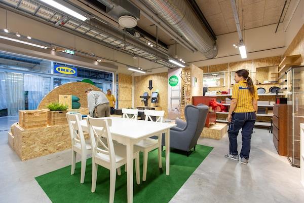 Möbler i butiken