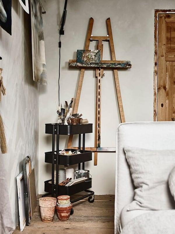 Multifunctionele logeerkamer - RASKOG roltafel - IKEA wooninspiratie