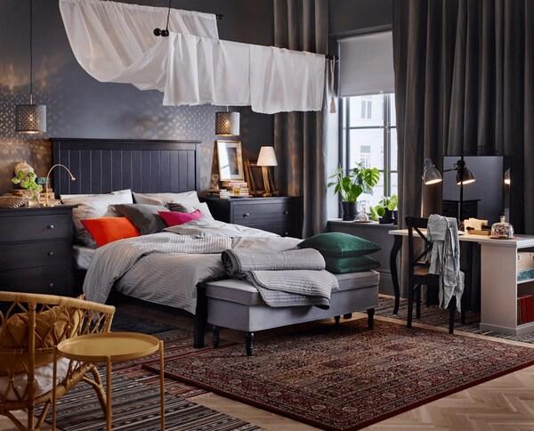 мягкий ковер в интерьере спальни